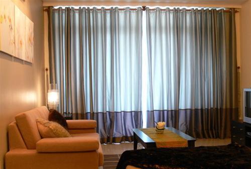 Điều chỉnh màu sắc trong phòng khách 1